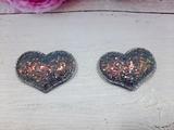 Сердце из кожзама с глиттером цв. серый+золото 42х32 мм.