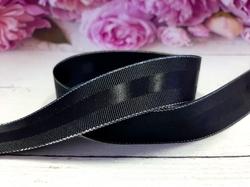 Репсовая лента с полосой и люрексом серебро цв. черный 25 мм.