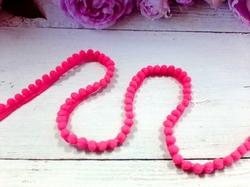 Тесьма с помпонами цв. ярко-розовый 10-12мм.