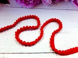 Тесьма с помпонами цв. красный 10-12мм.