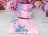 Фатиновая лента с разноцветными снежинками цв. розовый 60мм.