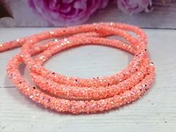 Декоративный силиконовый шнур с пайетками цв. персиковый 6 мм. отверстие - 2мм.(0,5м.)