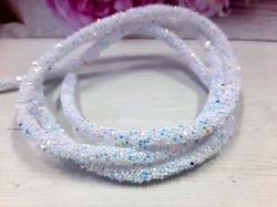 Декоративный силиконовый шнур с пайетками цв. белый с голубым перламутром 6 мм. отверстие - 2мм.(0,5м.)