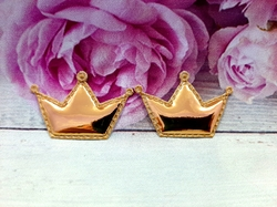 "Патч из глянцевого кожзама ""корона"" цв. золото 40х28 мм."