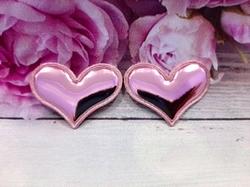 "Патч из глянцевого кожзама ""сердце"" цв. розовый 38х30 мм."