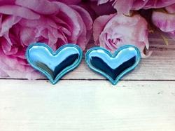 "Патч из глянцевого кожзама ""сердце"" цв. голубой 38х30 мм."