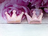 "Патч из кожзама ""корона"" цв. розовый перламутр 35х53 мм."