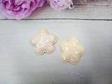 Цветок из кожзама с глиттером цв. желтый перламутр 40 мм.
