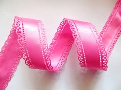 Сатиновая лента двусторонняя с перфорацией цв. ярко-розовый 30 мм.
