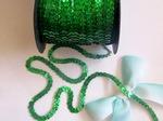 Пайетки на нитях цв. зеленый голографик