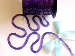 Пайетки на нитях цв. фиолетовый голографик